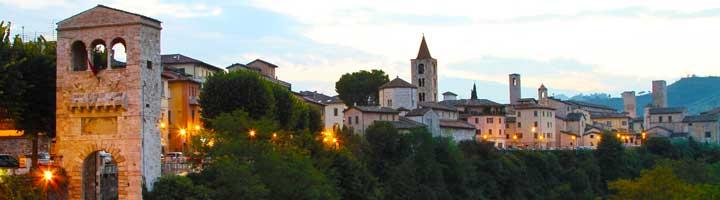 Ascoli Piceno vlak bij agriturismo en kleine camping Villa Bussola